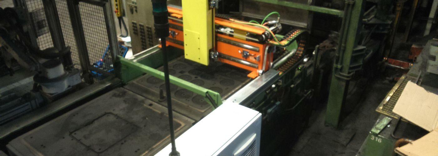 Trpin-Strojegradnja-Eta-Cerkno-Stroj-za-prebijanje-peščenih-form-naslovna.JPG