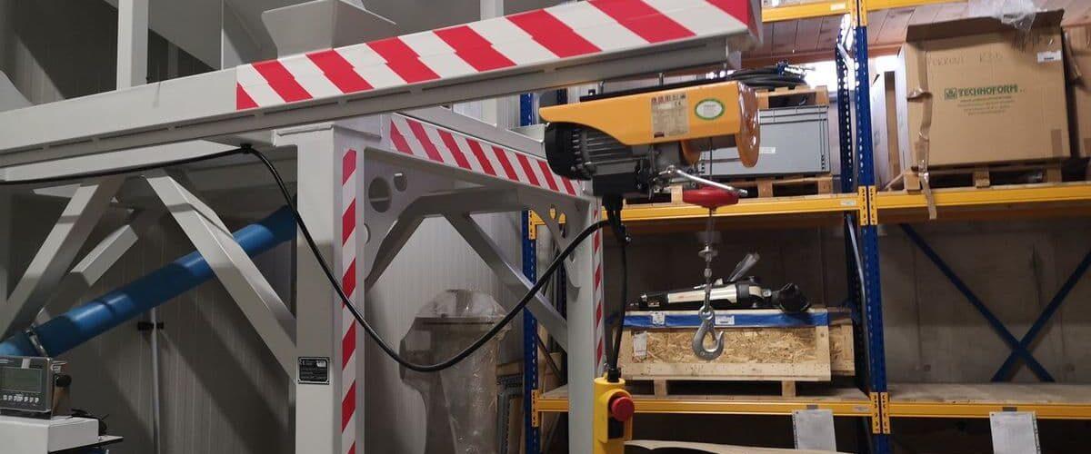 Trpin-Strojegradnja-Ingersoll-Rand-Zalogovnik-z-dozirnim-sistemom-za-sipki-material-galerija (2)