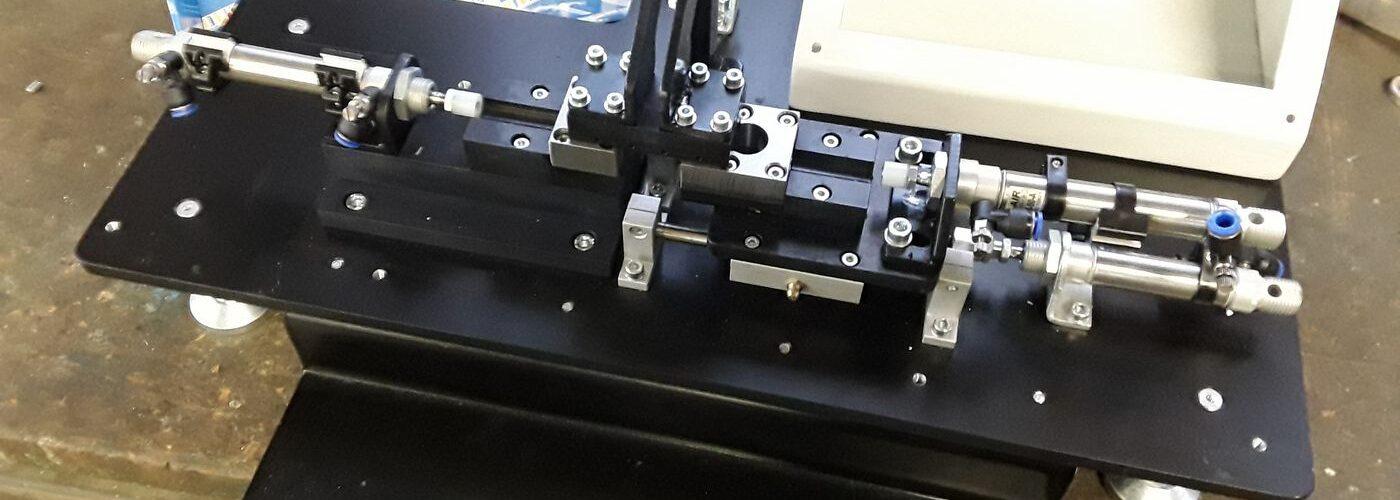 Trpin-Strojegradnja-Ingersoll-Rand-naprava-za-avtomatsko-sestavo-blokov-manometra-naslovna