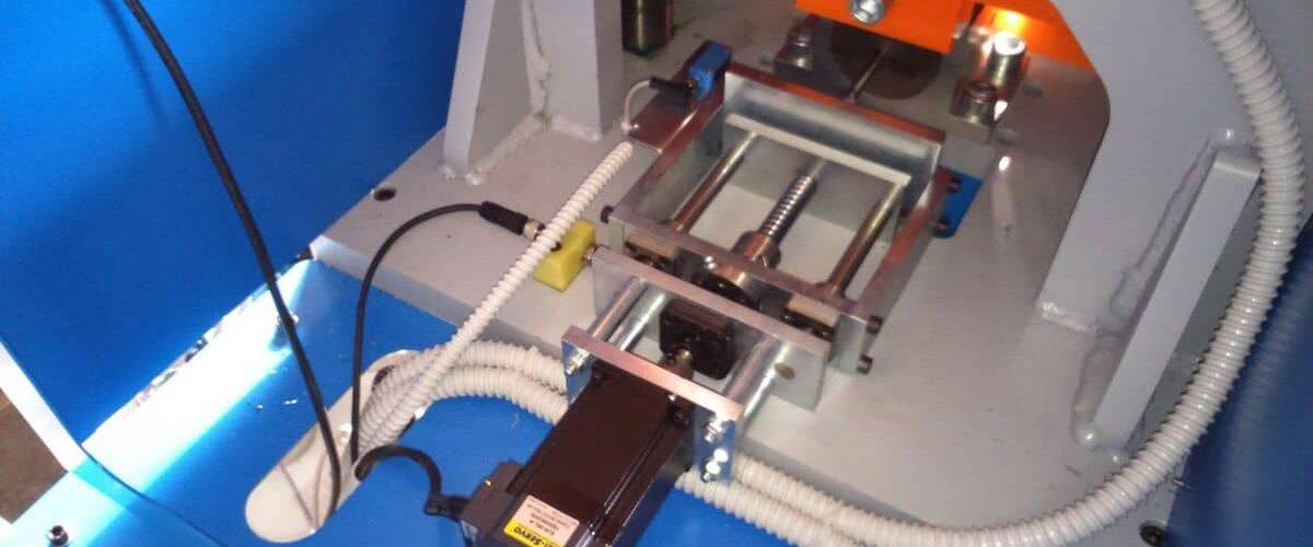 Trpin-Strojegradnja-Sij-metal-ravne-Avtomatske-hidravlične-škarje-galerija.jpg